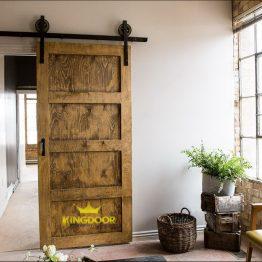 cua-go-tu-mhienHow-to-Build-Barn-Door-Closet-Doors