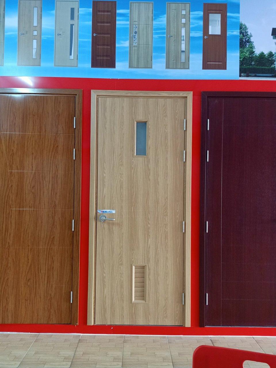 Cửa nhựa gỗ composite tại quận 9