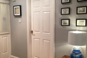mẫu cửa gỗ công nghiệp HDF sơn trắng