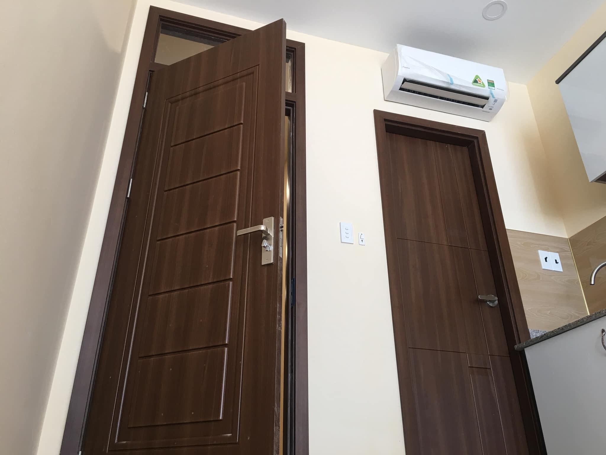 cửa nhựa giả gỗ dành cho khách sạn, nhà trọ, chung cư