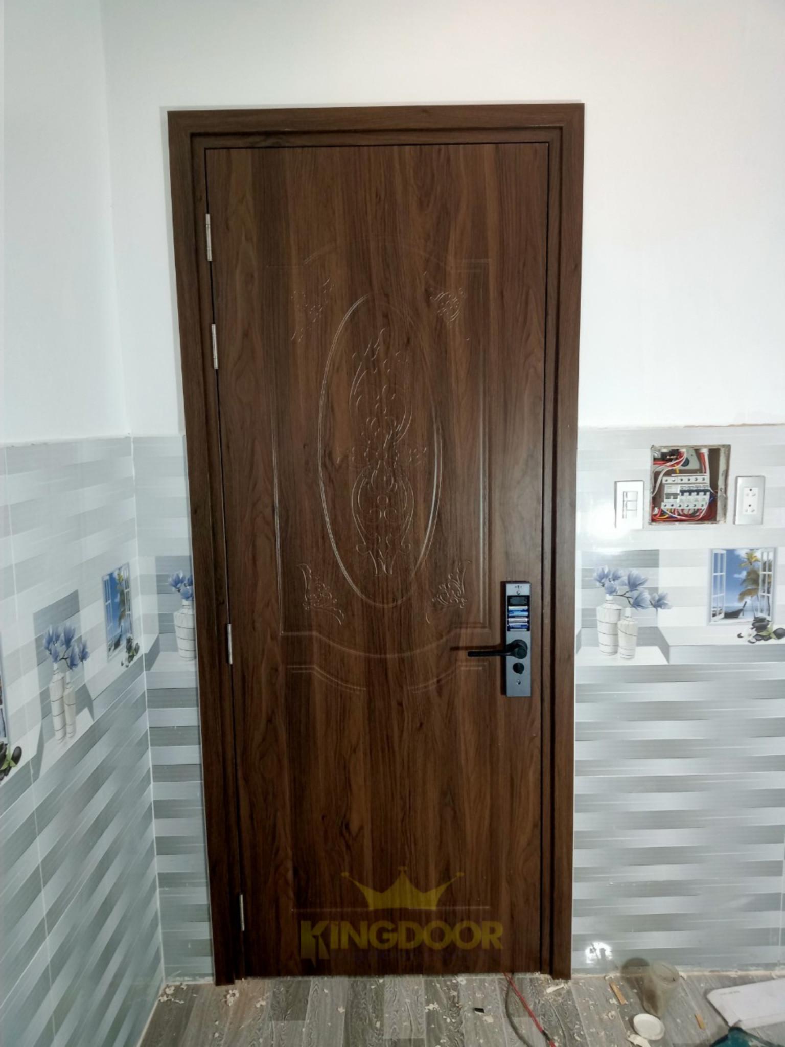 Mẫu cửa nhựa Composite SYB - hình chụp thi công thực tế