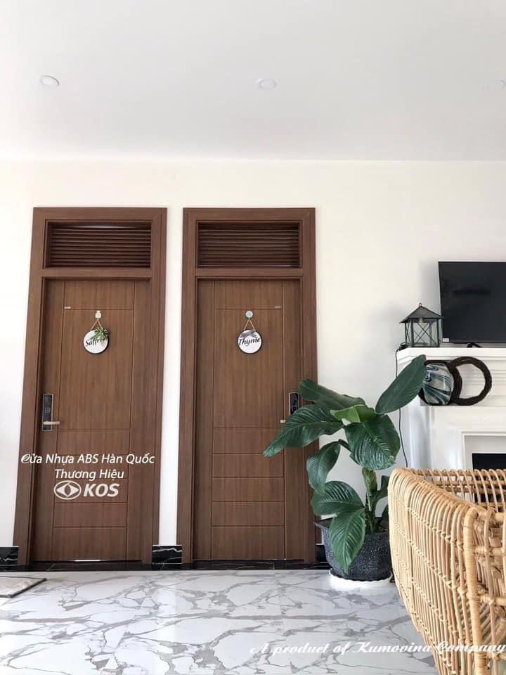 Mẫu cửa nhựa giả gỗ đẹp